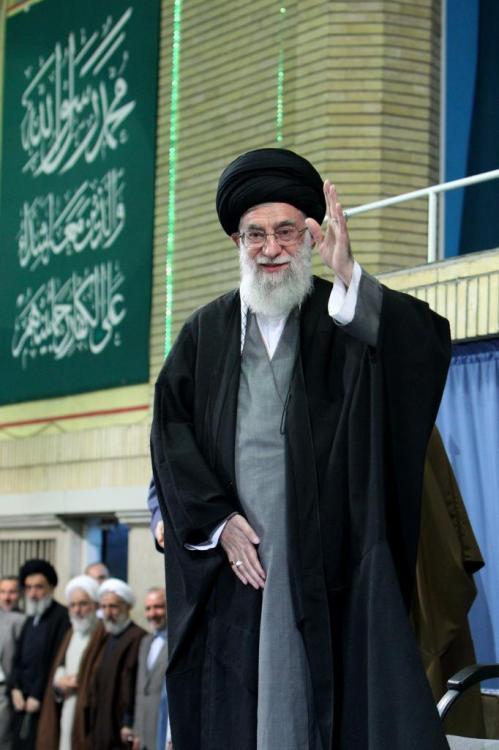 AyatollahKhamenei-ConferenceonIslamicUnity55_zps31c3f9f6[2]