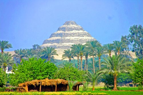 IstheWorlds-Oldest-Pyramid-Safe[1]
