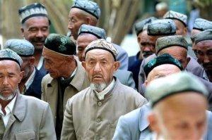 large_uighur-men-20011